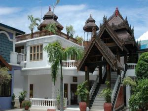 翡翠綠洲賓館(Emerald Land Hotel)