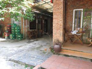 奧賽斯酒吧青年旅館(Oasis Bar and Hostel)