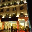 雷托尤酒店(Strato Hotel by Warwick)