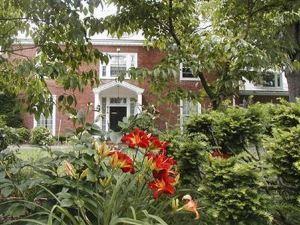 法納姆旅館(Farnam Guest House)