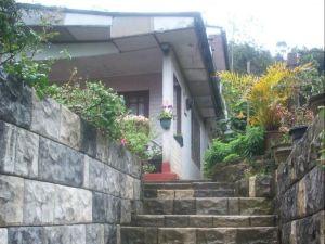 雷德伍德旅館(Redwood Inn)
