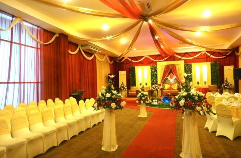 Zurich hotel balikpapan hotel reviews room rates and booking transportation attractions junglespirit Images