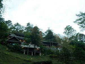 康沙旦度假村及瀑布(Kangsadarn Resort & Waterfall)