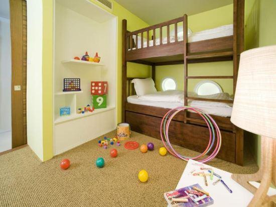 盛泰瀾幻影海灘度假村(Centara Grand Mirage Beach Resort Pattaya)豪華海景家庭公寓