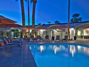 棕櫚泉酒店(The Palm Springs Hotel)