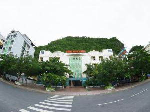 吉恩諾克酒店(Gieng Ngoc Hotel)