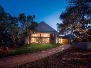內陸先鋒旅舍(Outback Pioneer Lodge)