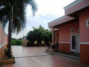 塞利亞齊房子酒店(Hotel Syariah Aceh House Murni)