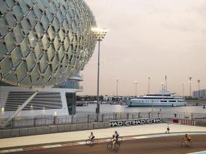 阿布扎比亞斯總督酒店(Yas Viceroy Abu Dhabi)