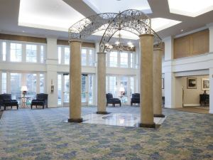 比爾特摩爾套房酒店(Biltmore Hotel & Suites)