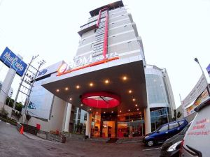 三寶攏赫姆酒店(@Hom Hotel Semarang)