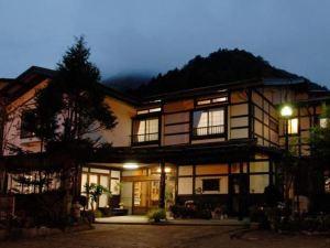 鴨跖草日式旅館(Tsuyukusa)