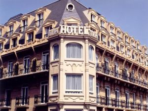 戶撒歐羅巴酒店(Husa Europa)