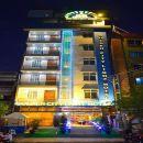 金色城市之光酒店(Golden City Light Hotel)