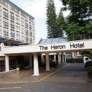 蒼鷺門廊酒店(The Heron Portico Hotel)