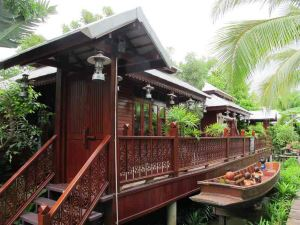 文東之家安葩洼度假村(Banpeeaum Ruanpeetong Amphawa Resort)