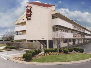 納什維爾機場紅屋頂客棧(Red Roof Inn Plus+ Nashville Airport)