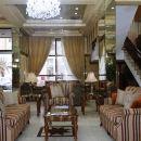 科威特卡爾頓塔酒店(Carlton Tower Hotel Kuwait)