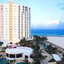 克里斯塔爾大蓬坎昆旅館(Krystal Grand Punta Cancún)