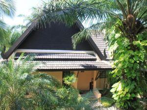 考拉克棕櫚海灘度假酒店(Khao Lak Palm Beach Resort)