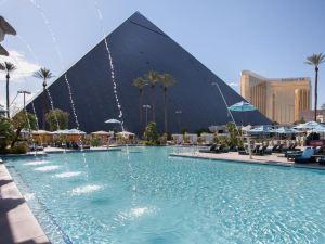 拉斯維加斯盧克索賭場酒店(Luxor Hotel and Casino Las Vegas)