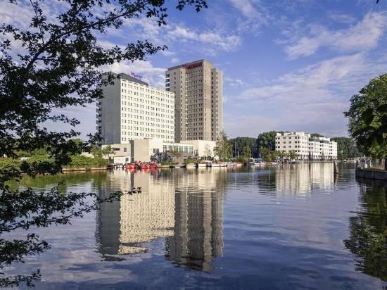 阿姆斯特丹市南美居酒店