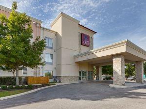 中西六旗舒適套房酒店(Comfort Suites Medical Center Near Six Flags)