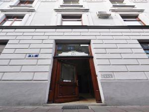 西西塔公寓酒店(Siesta Aparthotel)