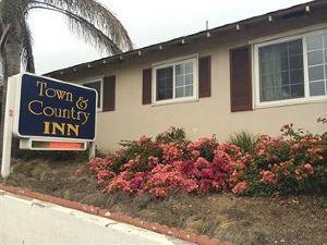 城市和鄉村旅館(Town and Country Inn)