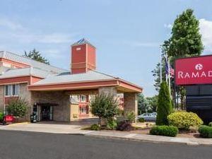 華美波特蘭酒店(Ramada Portland)