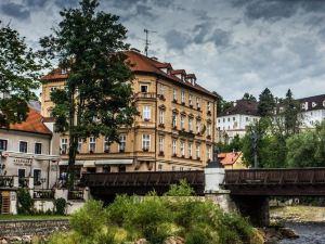 賽斯基克魯姆洛夫德沃夏克酒店(Hotel Dvorak Cesky Krumlov)
