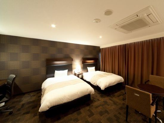 福岡博多站前陽光酒店(Hotel Sunline Fukuoka Hakata Ekimae)高級雙床房