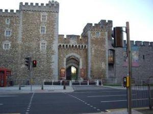 加帝夫奧斯汀賓館(Austins Guesthouse - Cardiff)