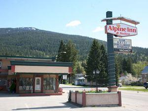 高山套房酒店(Alpine Inn & Suites)