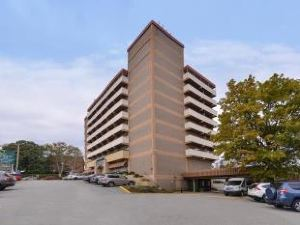大學中心品質酒店(Quality Inn University Center)