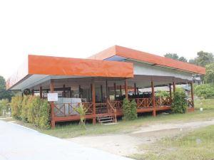 查雷度假村(Chawlay Resort)