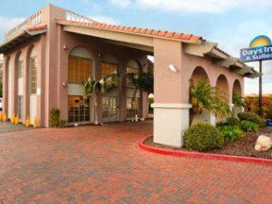 聖迭戈戴斯酒店(靠近海洋世界)(Days Inn San Diego Near Sea World)