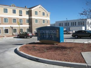 圖森機場斯德橋套房(Staybridge Suites Tucson Airport)