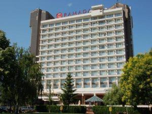 華美達公園酒店(Ramada Parc Hotel)