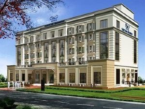 古爾岡澳都斯薩羅伏普里米爾酒店(Optus Sarovar Premier Hotel Gurgaon)