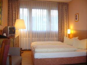 卡爾門酒店(Gästehaus am Karlstor)