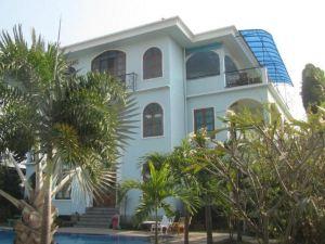 喬治之家酒店(Baan Georges Hotel)