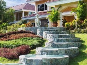 薄荷島孔雀園酒店(The Peacock Garden Bohol)