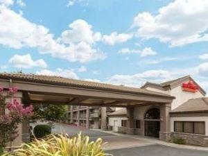 溫德姆納帕谷豪頓套房酒店(Hawthorn Suites by Wyndham Napa Valley)