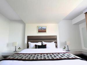 齊普爾金郁金香酒店(Golden Tulip Jaipur)
