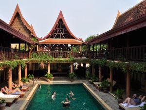 素可泰盧恩泰酒店(Sukhothai Ruean Thai Hotel)