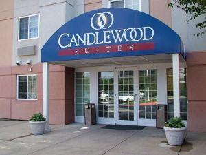 達拉斯中央公園燭木套房酒店(Candlewood Suites Dallas Park Central)