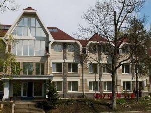 瑟丹卡酒店(Sedanka Hotel)