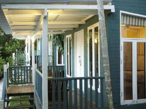 陽光度假旅館(Sunshine Inn Resort)