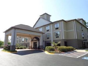 哥倫比亞杰克遜堡貝蒙特套房酒店(Baymont Inn & Suites Columbia Fort Jackson)
